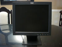 "IBM ThinkVision L170 17"" Flat Panel LCD Monitor / écran plat ACL"