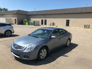 Nissan Altima 2011 SL fully loaded - Low kms & Clean Record