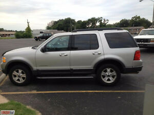 2005 Ford Explorer XLT SUV Windsor Region Ontario image 1