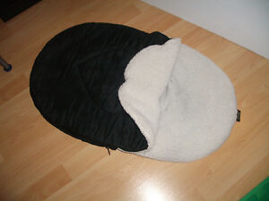 "Car Seat // Stroller Snuggle Bag by """" Jolly Jumper """""