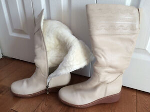Beige winter leather boots size 8