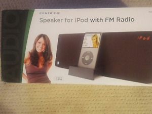 iPod Docking Sound Bar and AM/FM Radio with Remote Control