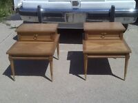 PAIR OF ANTIQUE END/SIDE TABLES AMERICAN 0F MARTINSVILLE USA