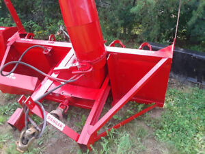 "7'6"" Lucknow double auger snowblower"