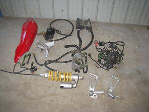 Lot de pièces Ducati Super Sport 750 1999 parts
