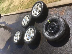 4 pneus sur rim infinity + spare