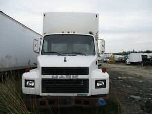 PARTING OUT Mack Mid-Liner CS250P, 1998, White, #0841
