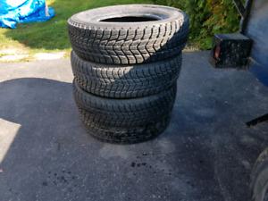 4 pneu d'hiver de marque toyo go-2 205/70r15 usure 10/32