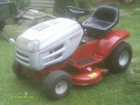 LIKE NEW, 13hp WHITE OUTDOORS RIDING LAWNMOWER