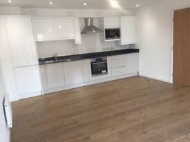 2 bed newly built apartments, Salford, close to city uni, transpor anenaties Salford