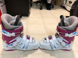 Girls Ski Boots - Nordica Little Belle 3   $70.00