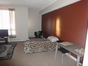 Bachelor for Rent at The Peaks in Eagle Ridge