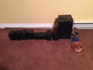 Yamaha Receiver and surround sound speakers Comox / Courtenay / Cumberland Comox Valley Area image 3