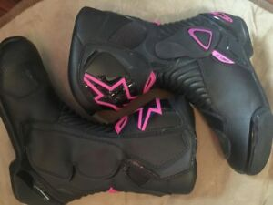 Womans Alpinestars SMX-6 boots for sale!