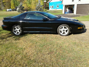 Mint 96 trans am ws6 only 13500 km black coupe