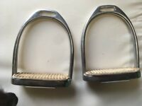 Stubben adult stirrup irons