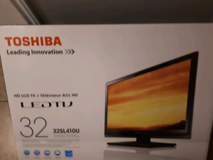 32in Toshiba HD LCD LED TV