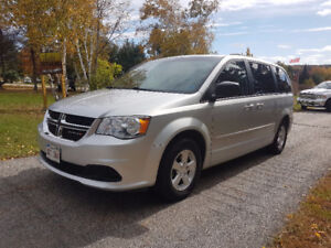 2012 Dodge Grand Caravan SXT  * REAR AIR CONDITIONING!