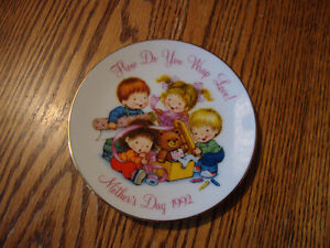 Cute Vintage 1992 Mother's Day Plate