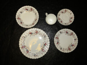 Fine China - complete set of 8
