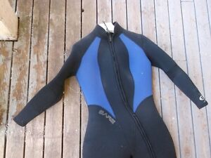 WETSUIT. WOMENS. BARE. 7MM. SUPRA. SIZE 14.