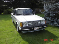 1980 Volvo 240 Coupe (2 door)