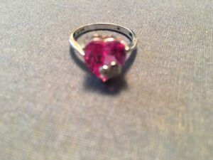 IDEAL FOR HOLIDAY GIFT; PINK HEART SAPPHIRE RING WITH DIAMOND