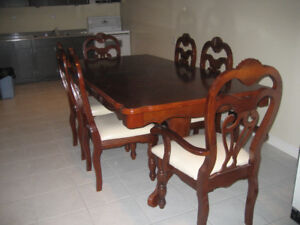 dining table set with 6 chairs - $400 - hwy 10/steeles