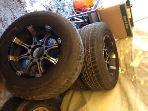 Ford f250 or f350 8 bolt rims.