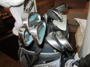 LADIES GOLF CLUBS AND BAG WITH EXTRAS