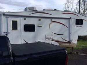 2009 Dutchmen fifth wheel to trade for a travel trailer