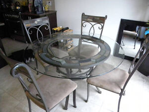 table ronde avec 6 chaises/ cast iron round table w/6 chairs