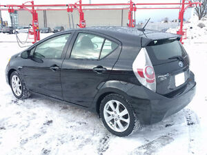 2014 Toyota Prius Technology Hatchback - $500 Cash Incentive!!