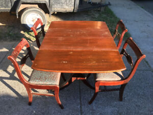 Duncan Phyfe Table and Chairs - $250 - Will Deliver