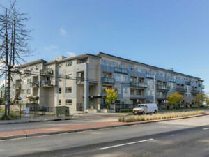 $1450 / 1br - 588ft2 - SURREY CENTRAL 1 BEDROOM + 1 DEN FOR RENT
