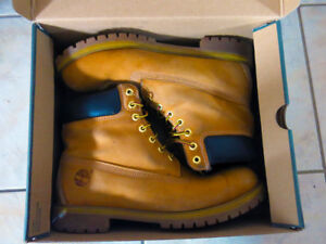 Timberland Size 12  6in Premium Men's Boots Wheat Nubuck *USED*