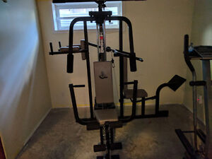 Selling my weider pro 9640 work out.