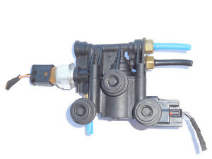 Range Rover 2006-2012 Air Suspension Solenoid Rear RVH500070