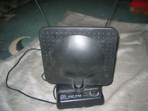 Indoor TV Antenna with amplifier for local TV Channels