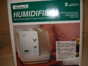 Kenmore Humidifier 2 Gallon  Used but in good condition
