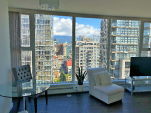 Beautifully Furnished Yaletown 1 Bedroom Suite - Incl. Park/Util