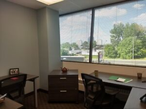 WONDERFUL WINDOW OFFICE WITH GREAT PRICE FOR YOU IN SCARBOROUGH!