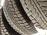 GT Radial Ice Pro Suv 235/70R16 sur jantes