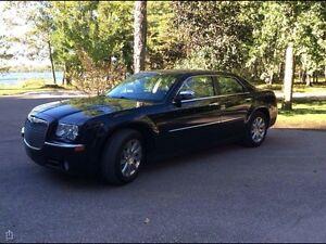 2009 Chrysler 300  fully loaded safetied