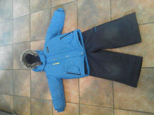 oshkoshboys size 4 coat and snowpants