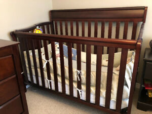 Baby crib with bed cover/bumper and matching curtain
