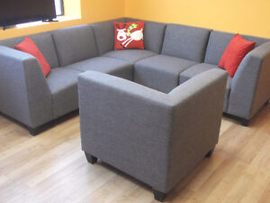BEAUTIFUL 6 PIECE GREY MODULAR COUCHES - USED 3 WEEKS London Ontario image 4