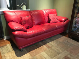 GORGEOUS RED LEATHER COUCH!