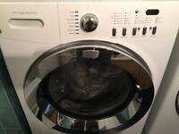 Plusieurs appareils ménagers de marque Frigidaire