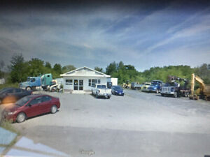 COMMERCIAL BUILDING FOR SALE GREAT CAR LOT OR ANY RETAIL SPOT